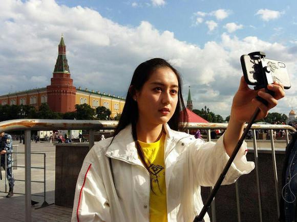В Госдуме предложили телеканалам поменьше показывать россиянам отдых за рубежом