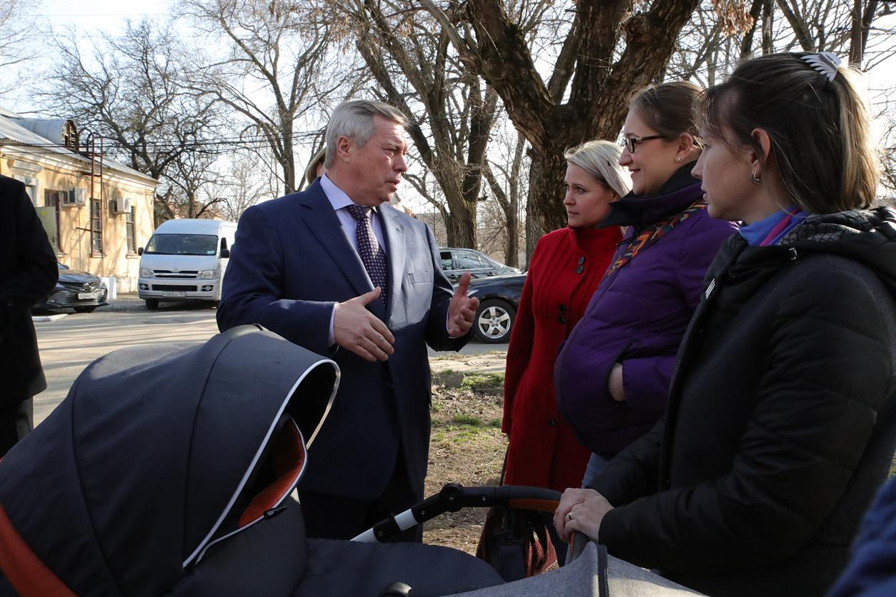 Василий Голубев выступил с законодательной инициативой об изменении правил выплат на детей