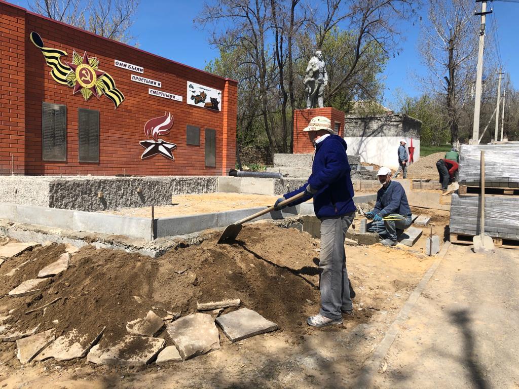 На реконструкцию памятника в ст. Краснодонецкой выделены деньги из федерального бюджета