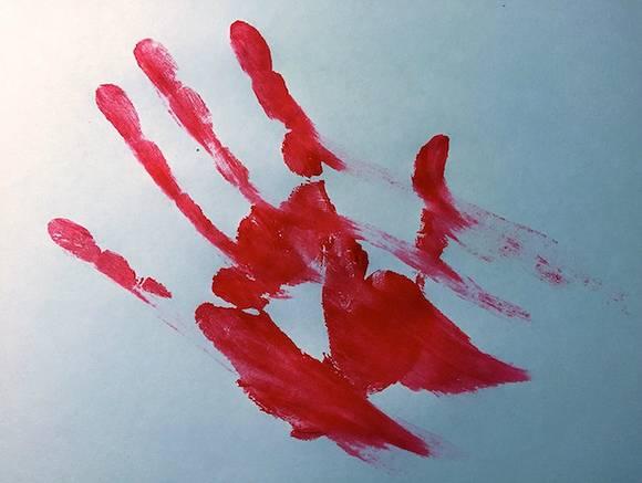 В Приморье женщина зарезала мужа и двух пятилетних детей
