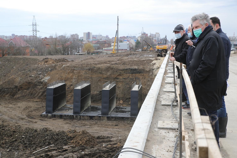 Движение по мосту Малиновского откроется в конце апреля