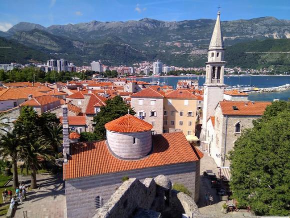 Черногория сняла все ограничения на посещение страны для русских туристов