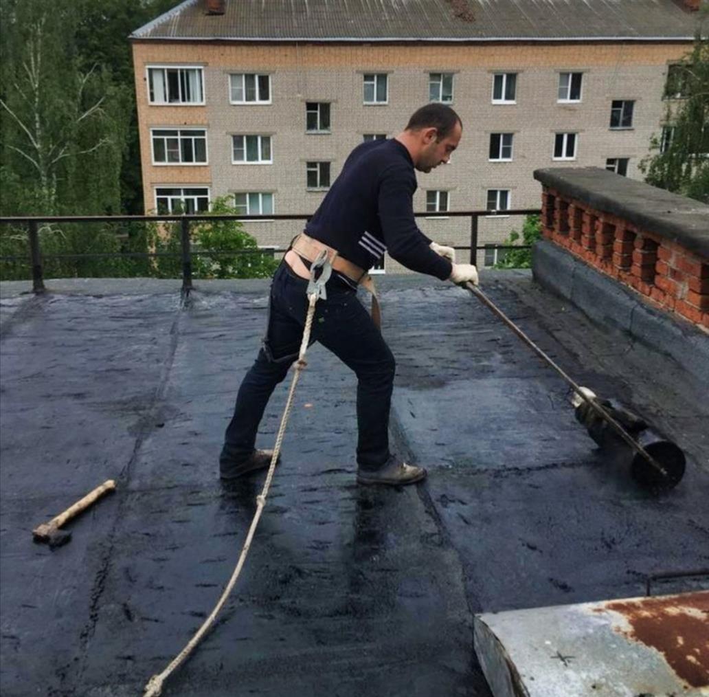 В поселке Горняцком отремонтируют кровлю МКД