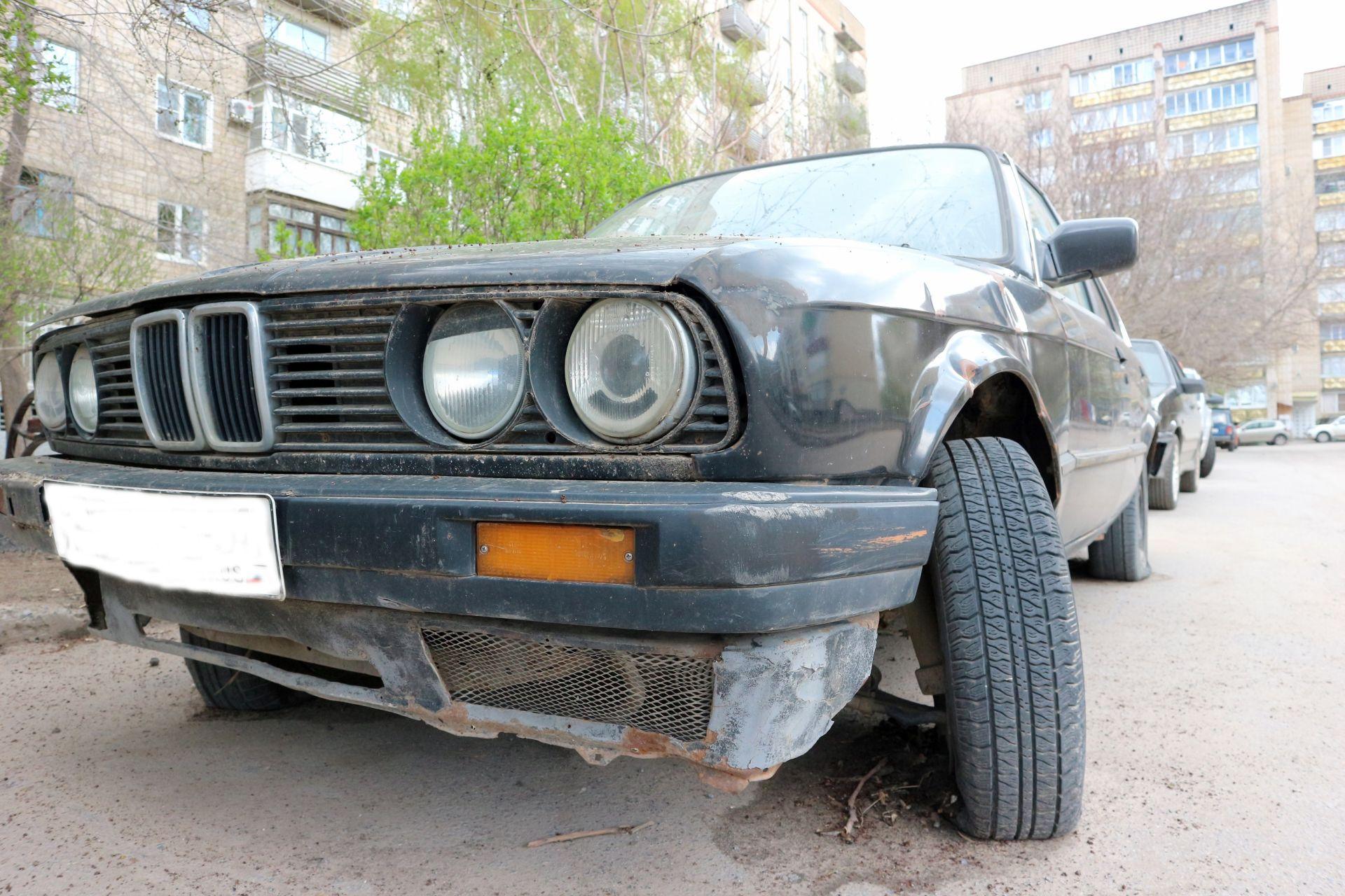 Что делать с брошенными авто во дворах?