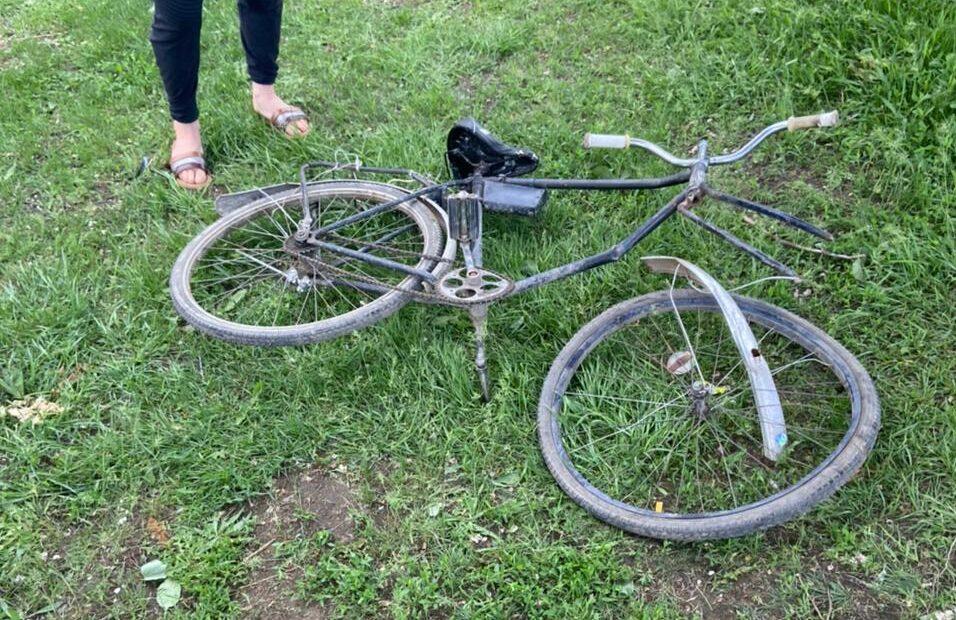 В Каменске-Шахтинском 16-летний мотоциклист сбил велосипедиста с ребенком