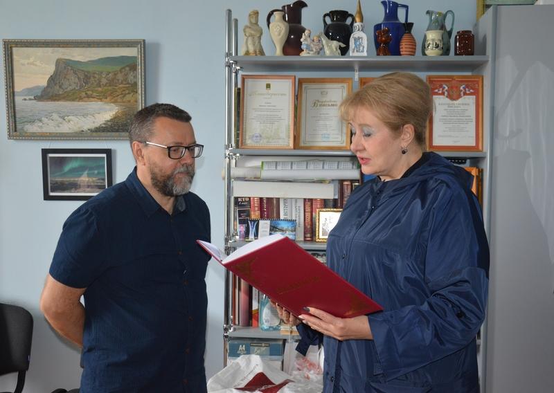 Директор Белокалитвинского историко-краеведческого музея Валентин Хлебнов отметил 60-летний юбилей