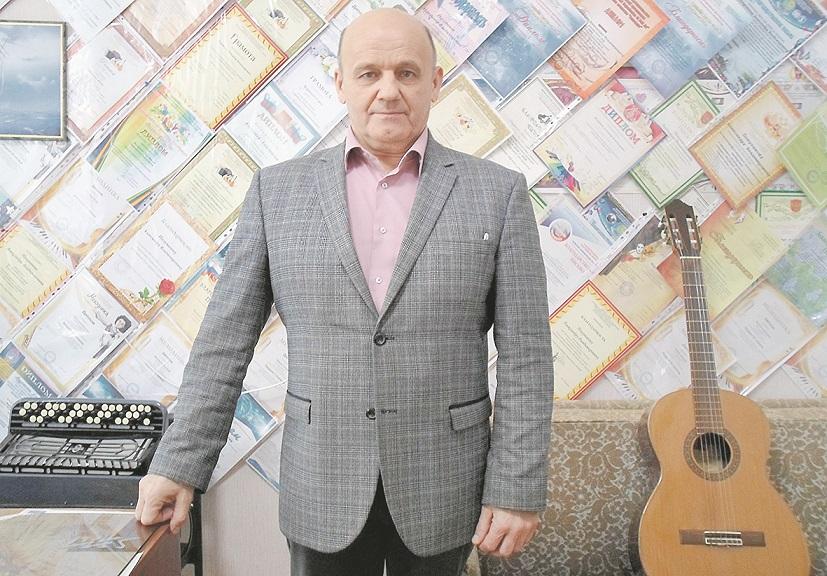 Преподаватель Детской музыкальной школы п. Шолоховского отмечает юбилей