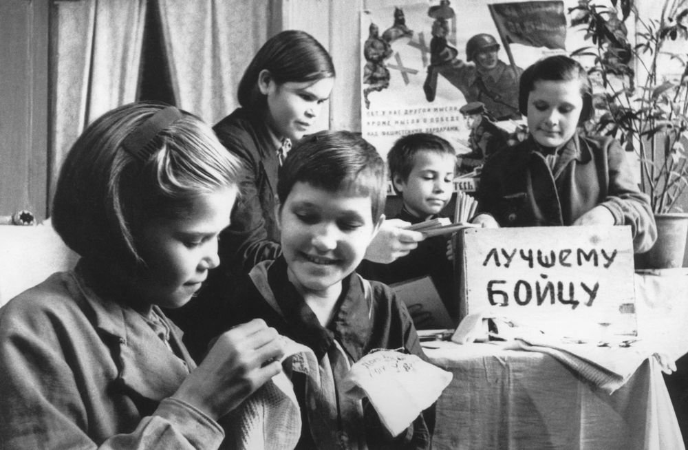 Письмецо на передовую: девичьи послания на фронт вдохновляли бойцов и поэтов