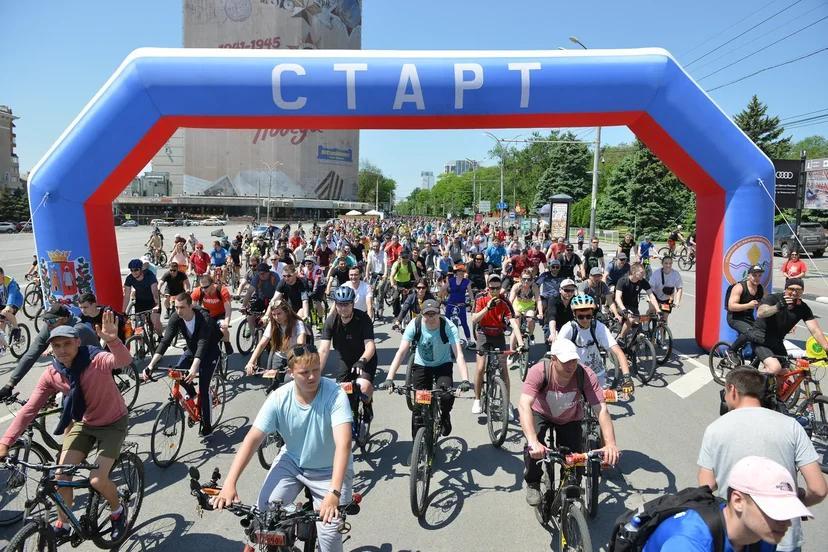 В Ростове велопарад собрал около 7 тысяч участников