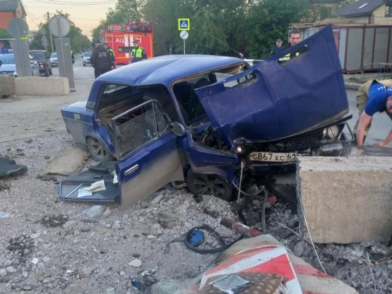 Водитель «шестерки» попал в ДТП на ремонтируемом мосту в Таганроге