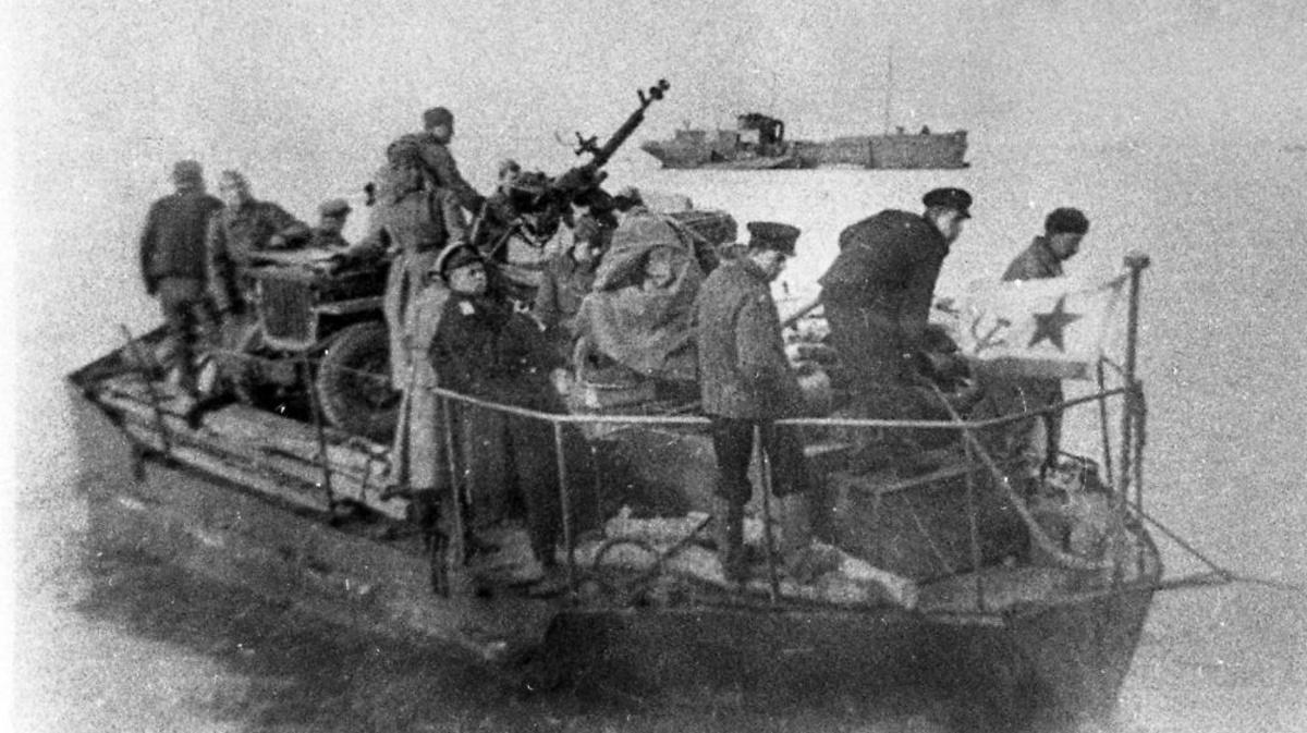 20 мая — Завершилась Керченская десантная операция советских войск