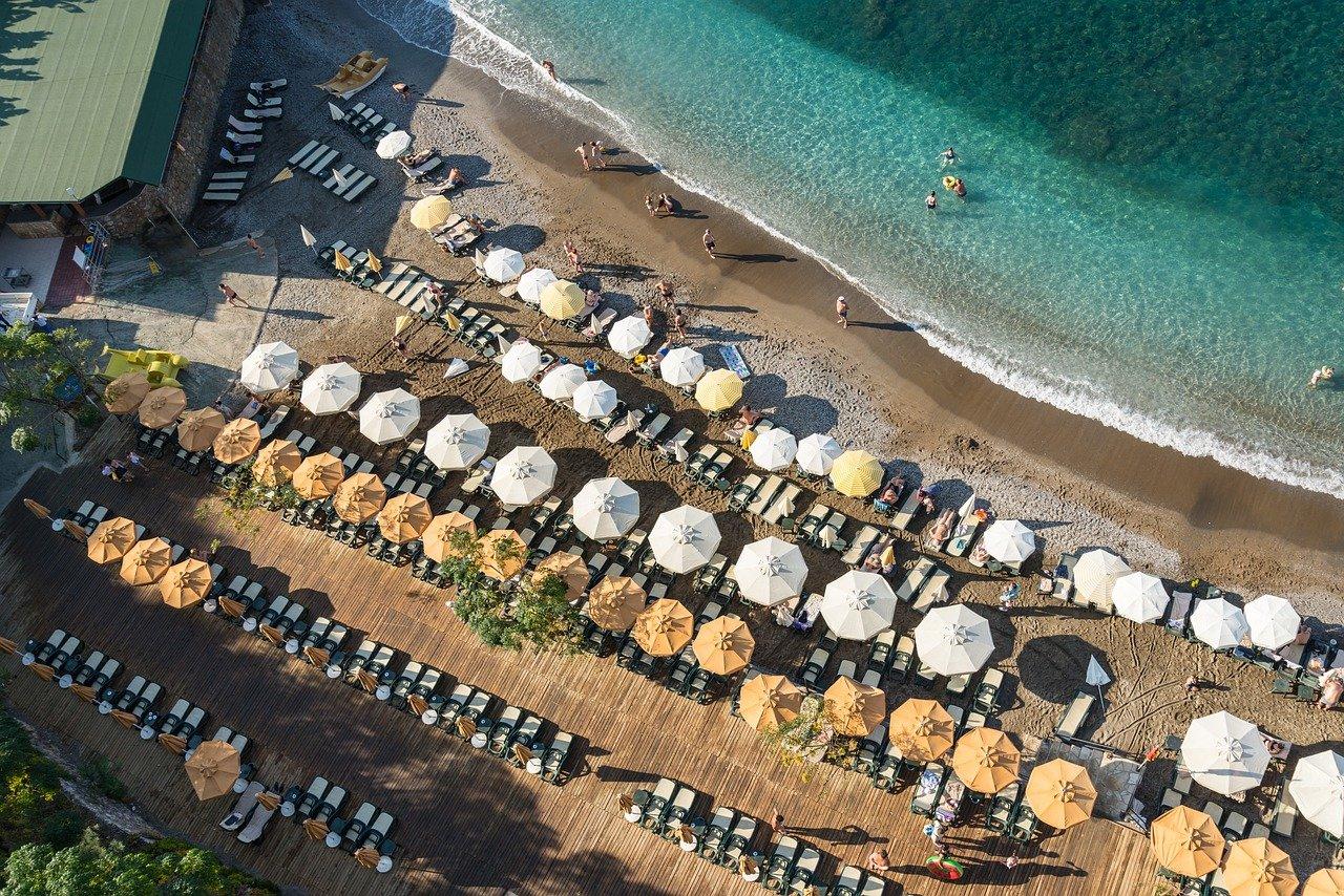 Турция предложила вернуть россиян на курорты по «модели безопасного туризма»