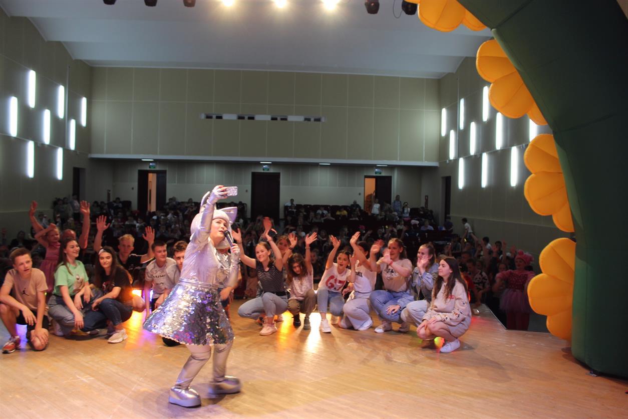 В Шолоховском ДК состоялось праздничное мероприятие для детей «Супер Мега ДискоParty»