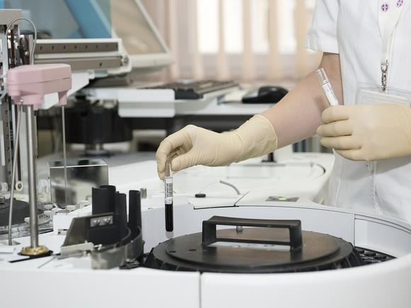 Суточная заболеваемость ковидом в России резко подскочила до 9500