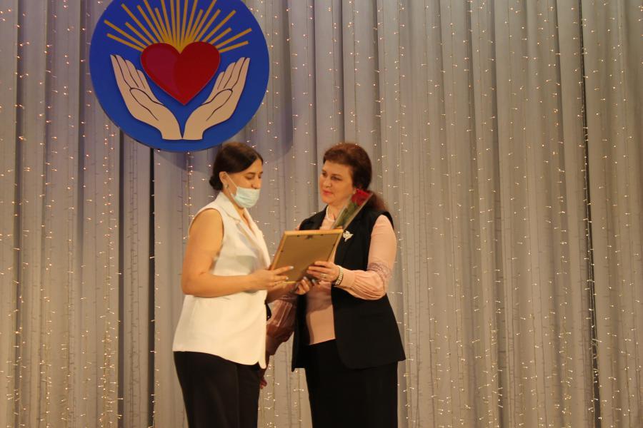 В профессиональный праздник белокалитвинские социальные работники отмечены Почетными грамотами главы администрации района