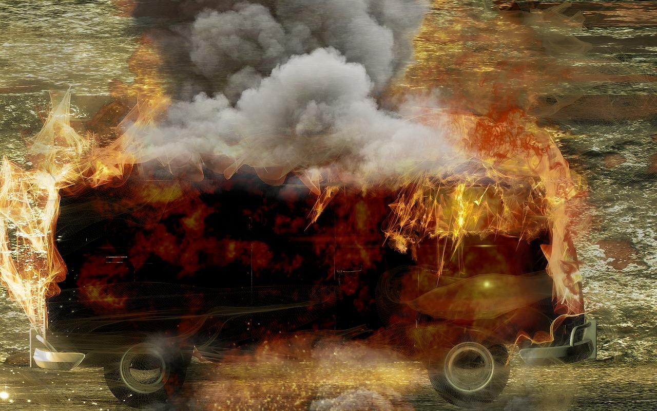 В Ростове загорелся пассажирский автобус