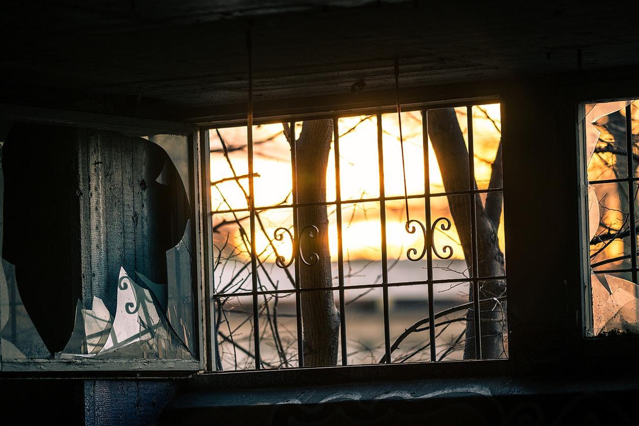 За незаконное проникновение в жилье Белокалитвинца наказали подпиской о невыезде