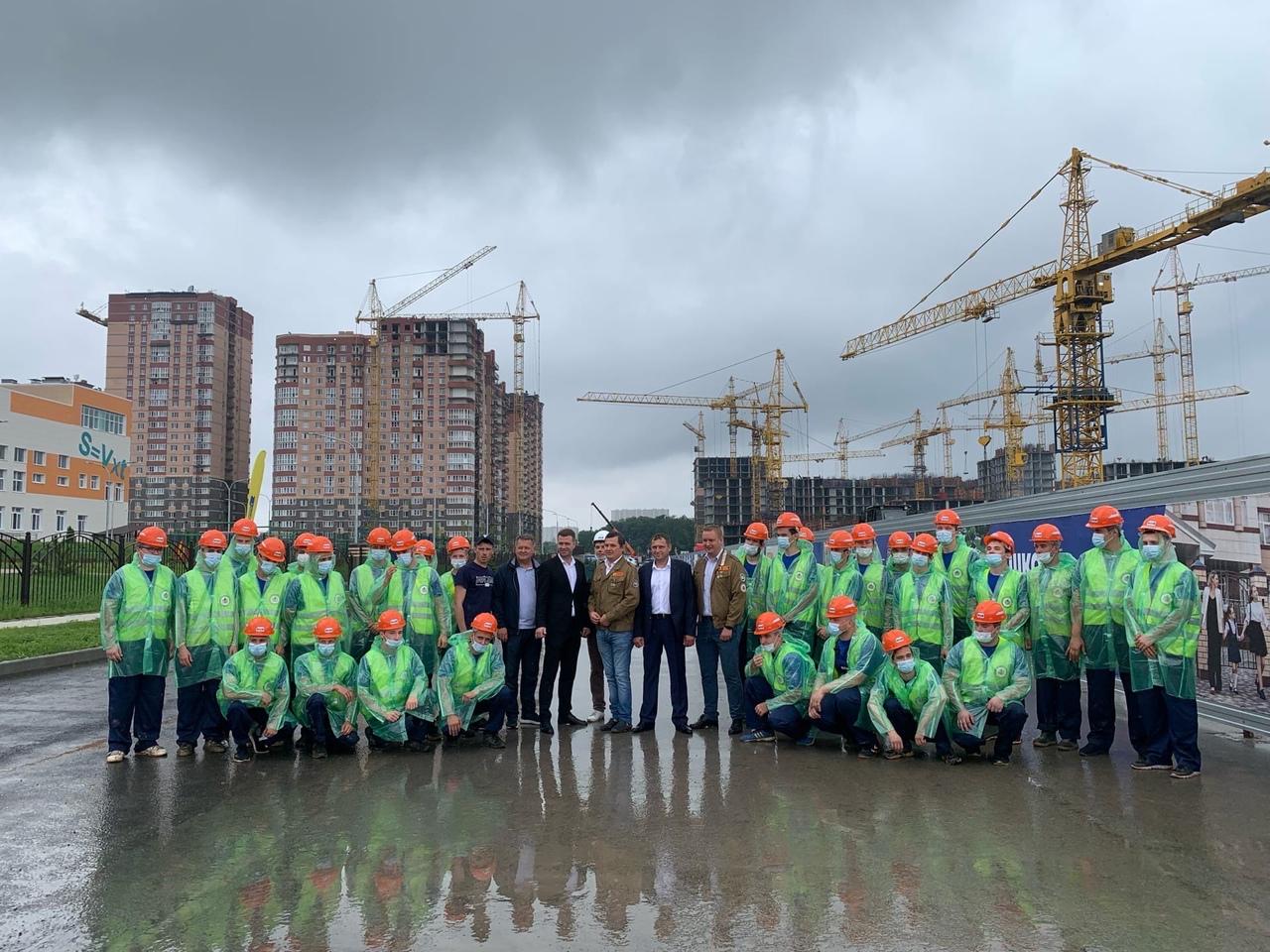 Донские студотряды участвуют в строительстве жилого дома в Ростове-на-Дону