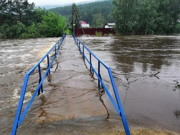 Паводок в Хабаровском крае разрушил девять автомобильных мостов