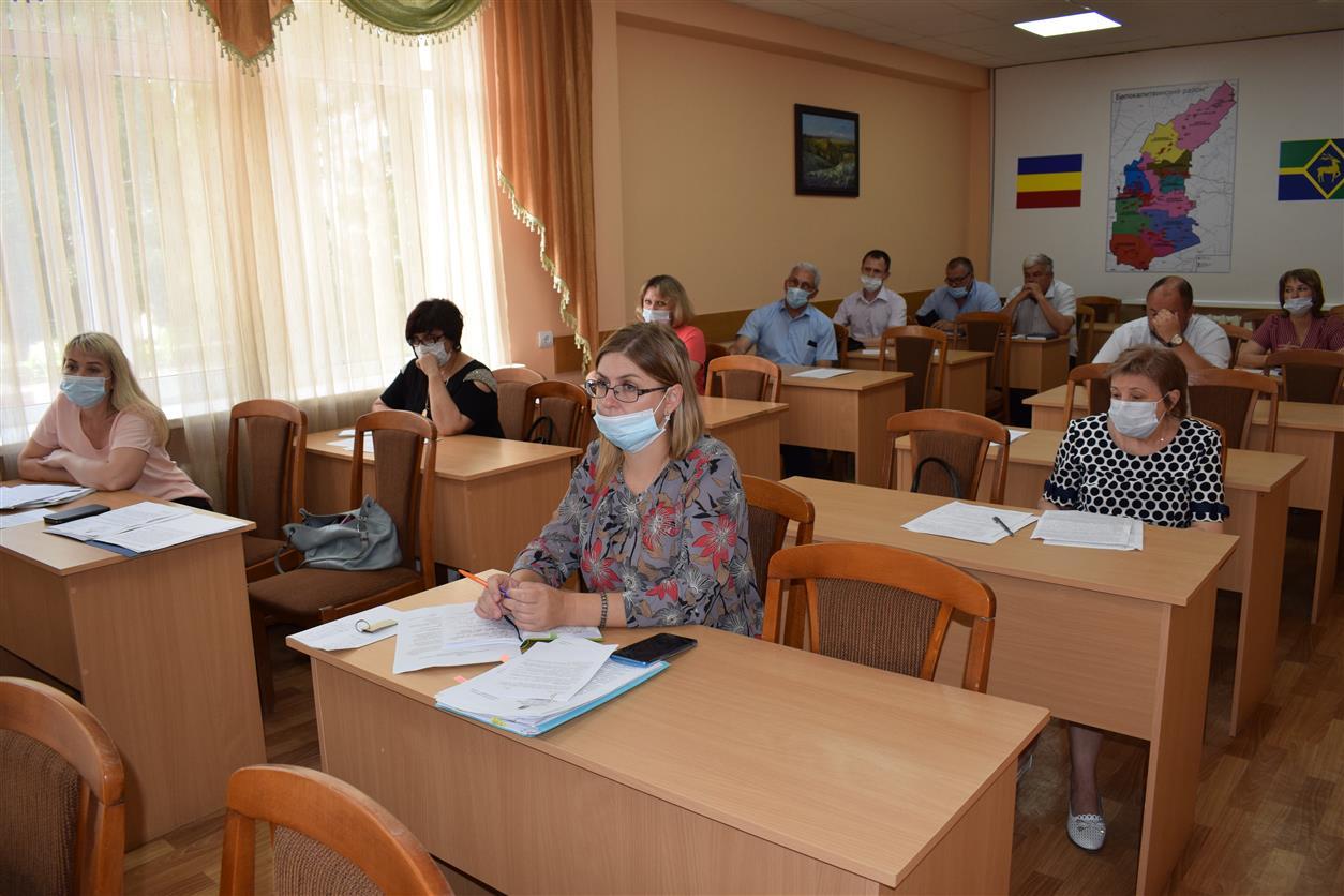 В Белокалитвинском районе временно трудоустроено 16 граждан