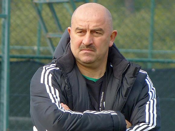 Черчесов уволен с поста главного тренера сборной России по футболу