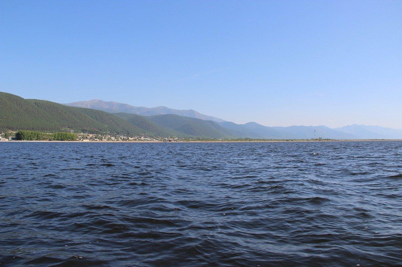 На Байкале 12 пассажиров катера отравились угарным газом
