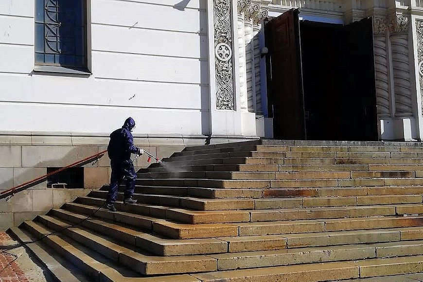 На Дону провели санитарную обработку 30 тыс. общественных пространств