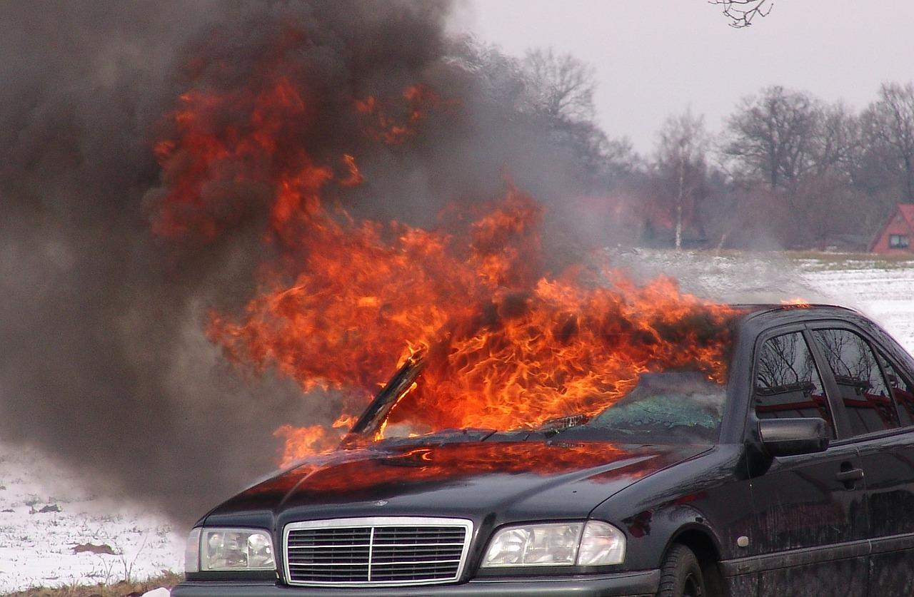 Жителя Каменска-Шахтинского будут судить за поджог машины судьи