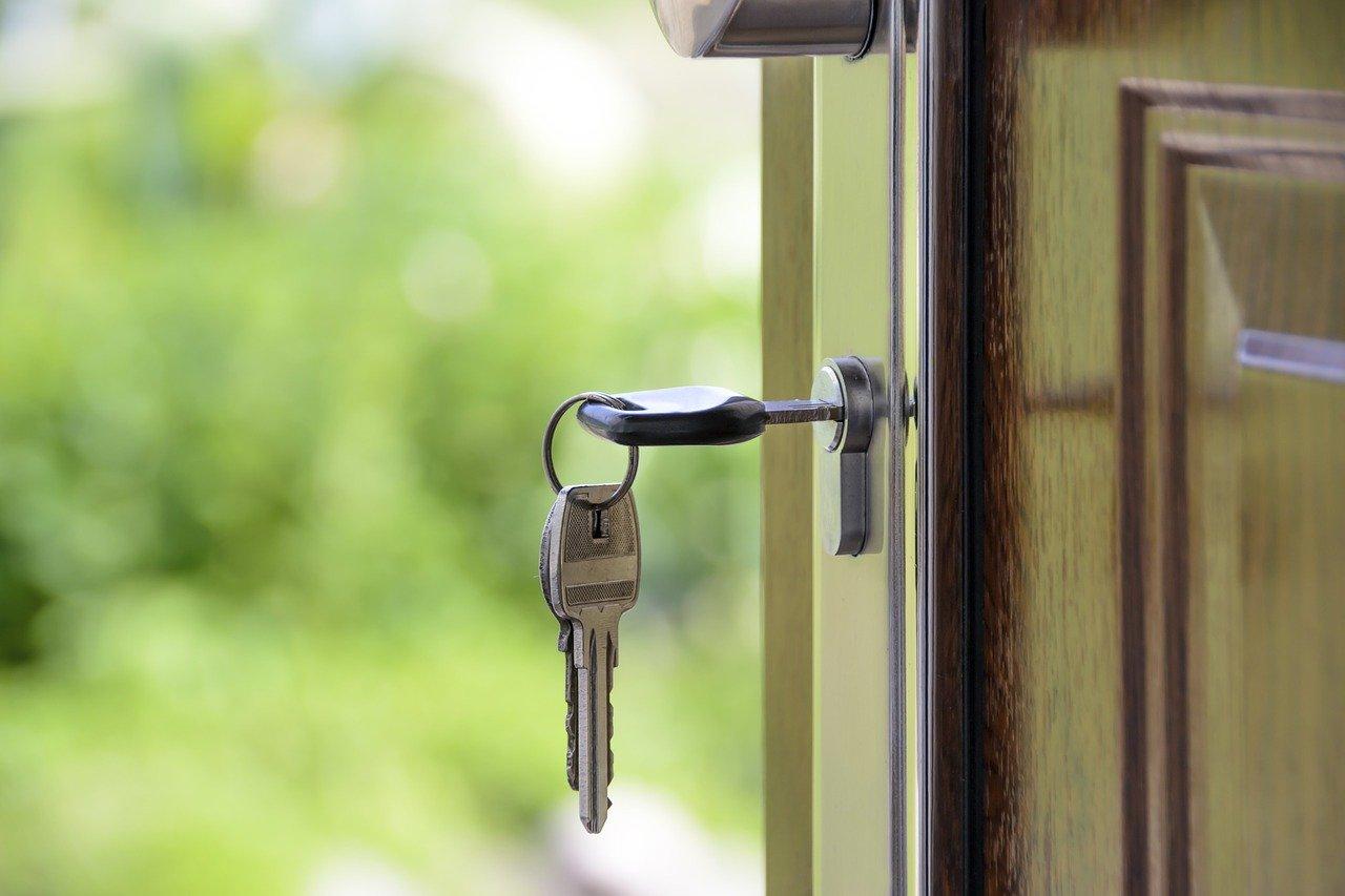 В РФ начали выдавать семейную ипотеку заемщикам с одним ребенком