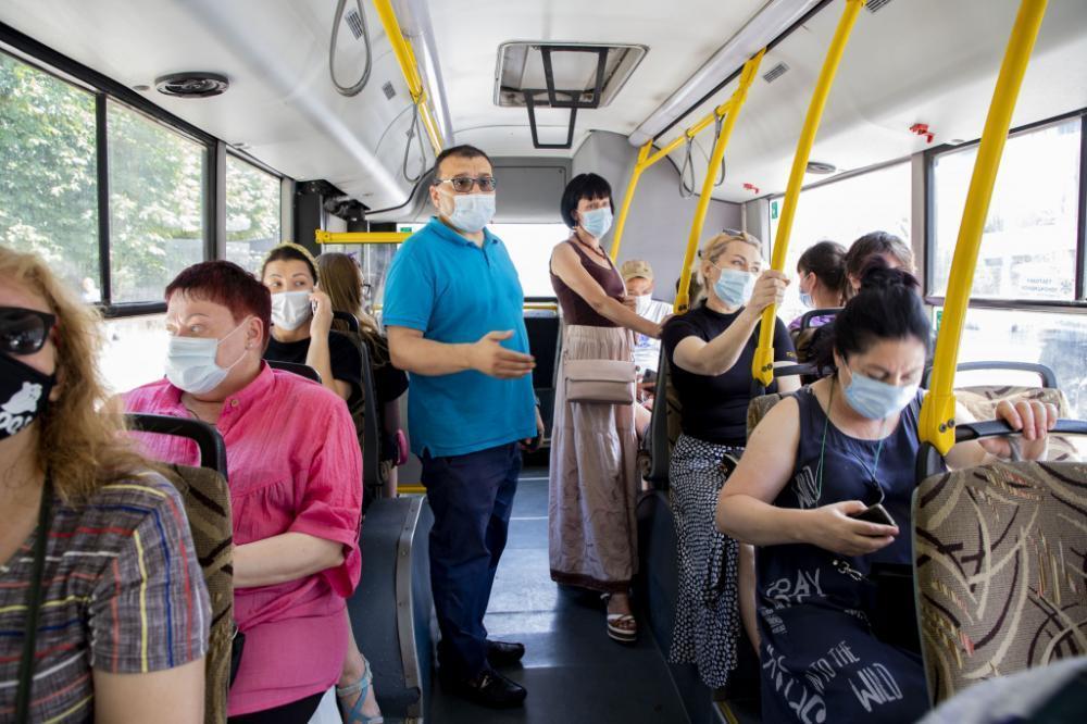 Ростовских перевозчиков оштрафовали за жару в автобусах