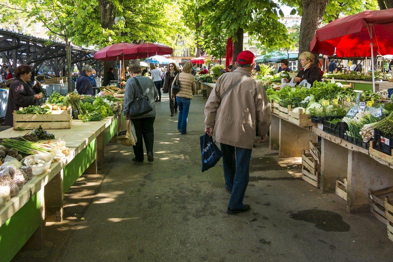 В Ростове прошли обыски в департаменте потребительского рынка региона