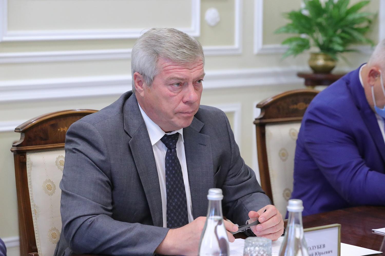 Голубев отругал Логвиненко за несоблюдение масочного режима в общественном транспорте