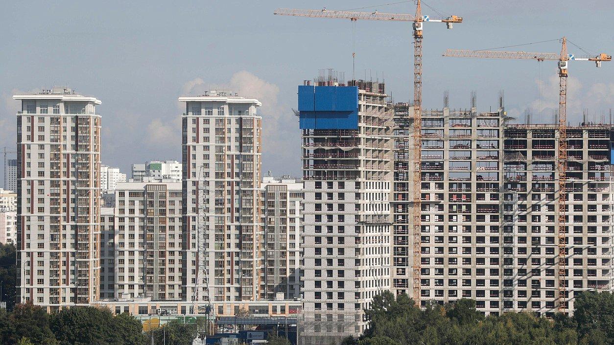 В Белокалитвинском районе продолжаются работы по капитальному ремонту многоквартирных домов