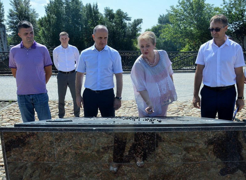 В Белокалитвинском районе группа «Губернаторского контроля» проверила реализацию нацпроектов «Жилье и городская среда»