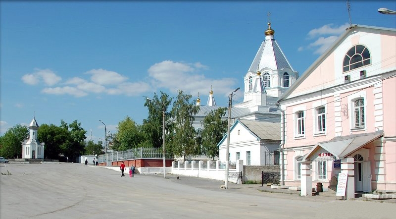 Богослужения в Введенском храме