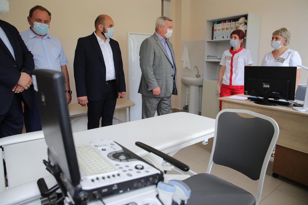 Губернатор поручил разработать новые меры для привлечения медицинских кадров