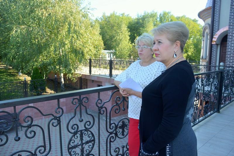 Ольга Мельникова проинспектировала ход строительных работ на объектах реализации проекта комфортной городской среды