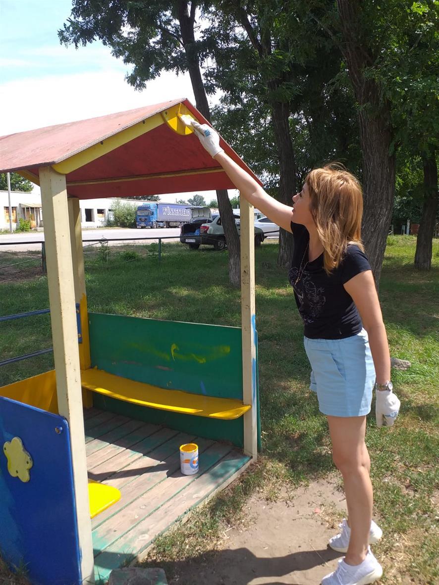 В Соснах отремонтировали детскую площадку
