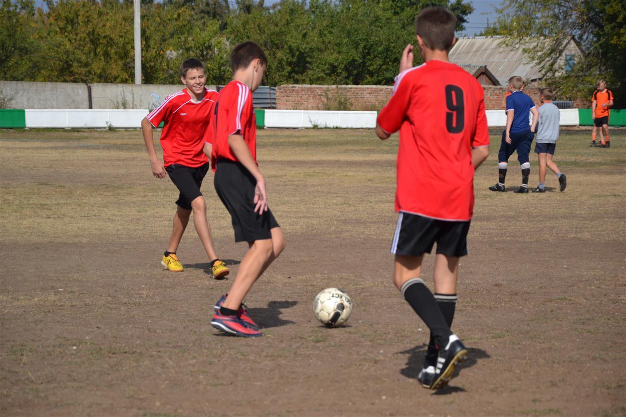 Футбольный турнир «Перекрестка» перенесен