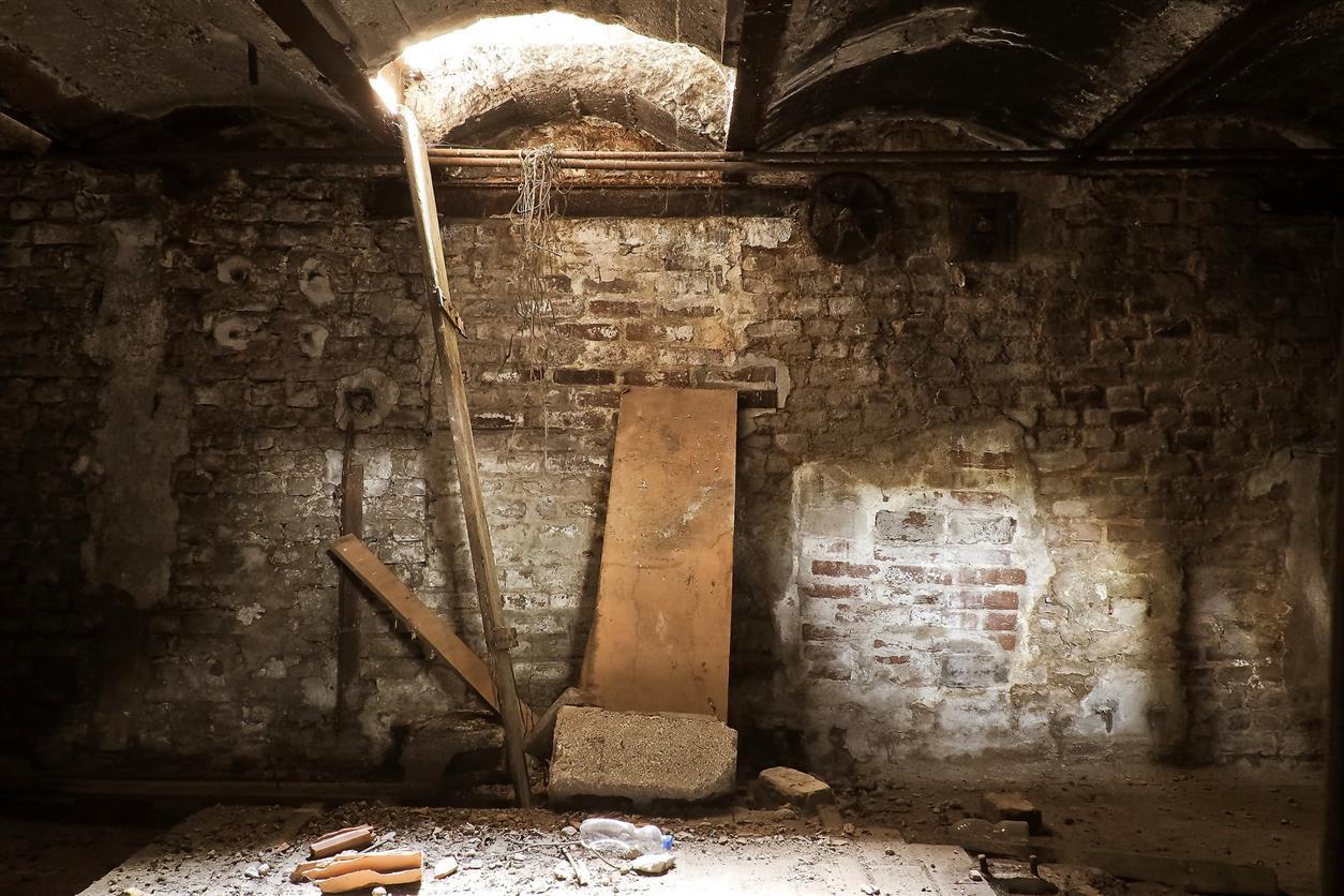 Вор в х. Бородинове разрушил чужой подвал