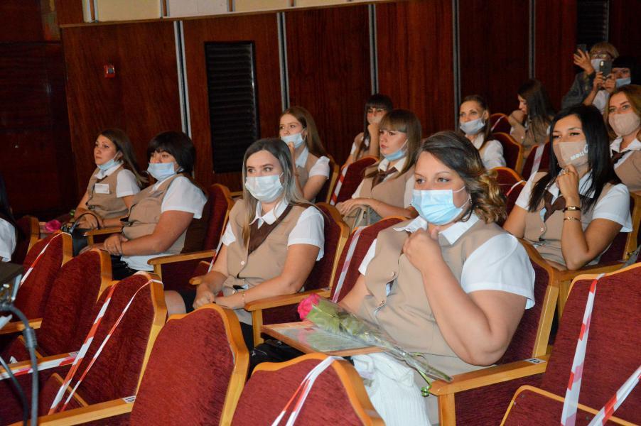 Коллектив Белокалитвинского МФЦ принял поздравления с 10-летним юбилеем