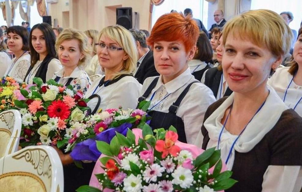 День учителя шагает по стране. В России и на Дону стартовала учительская неделя