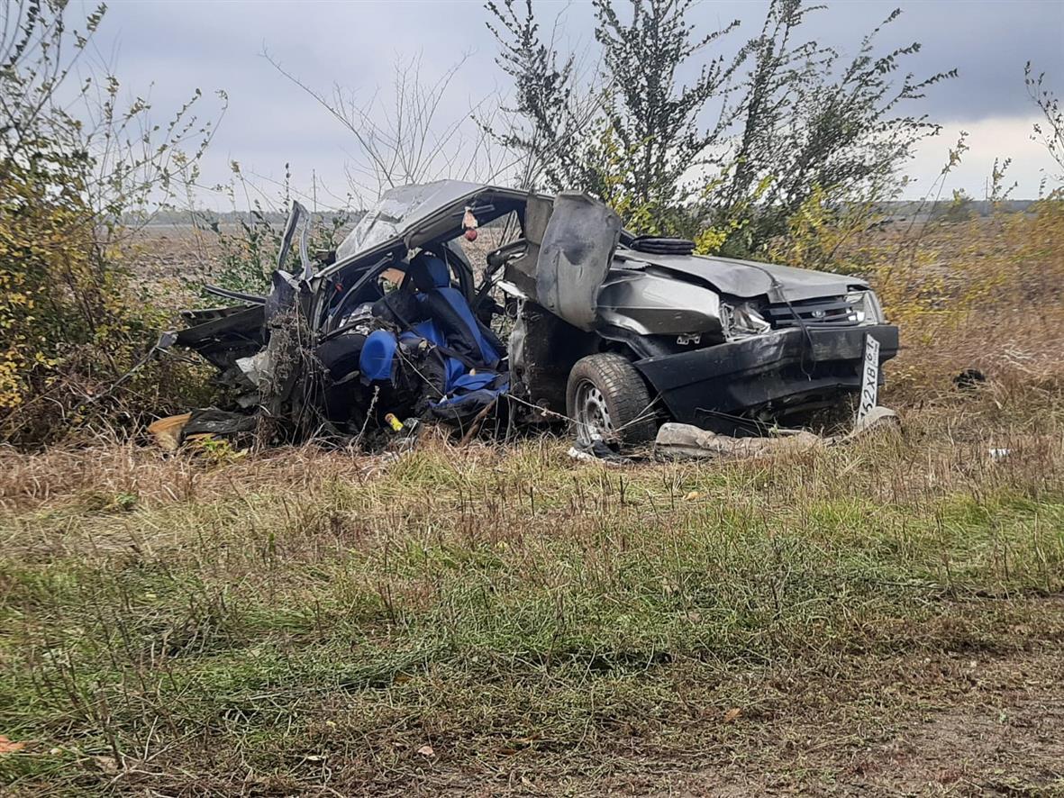 Не справилась с управлением: авария в Белокалитвинском районе унесла жизни женщины и троих детей