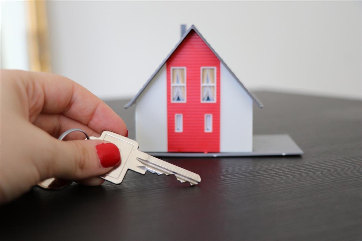 Сироты Белокалитвинского района получили жилье в сентябре